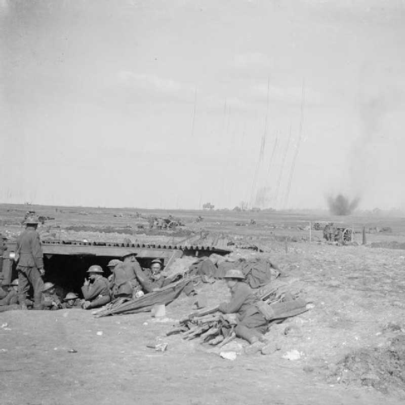 Battery under German fire
